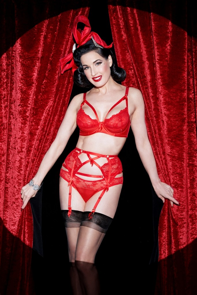 Madame X - Flame Red